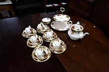 R/Albert old country roses 22pc tea set inc large tea pot