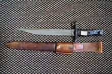 WWI Canadian Ross bayonet in leather scabbard
