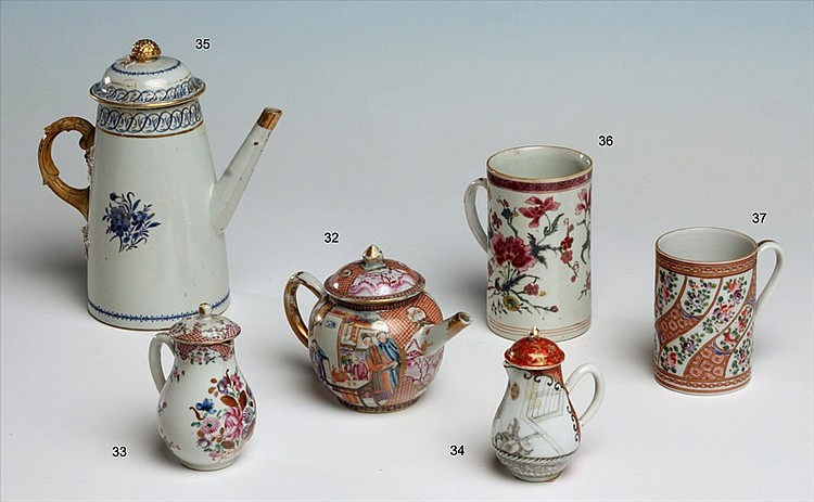 CHINESE EXPORT PORCELAIND TEA POT