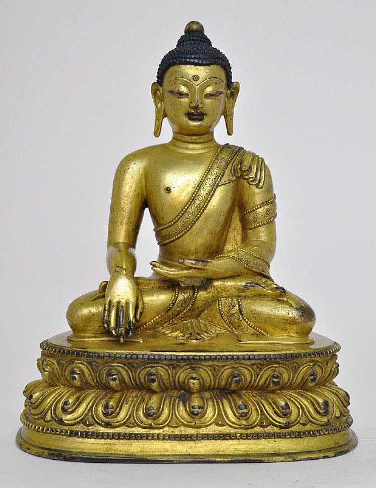A Sino-Tibetan Gilt Bronze Buddha, 18/19th C.