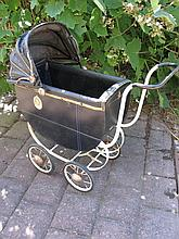 Shirley Temple 30s Whitney/ Ideal doll pram
