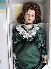 MIB porcelain LE 59/3000 Court of Dolls