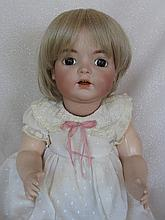 Excellent artist Lyn Cole 1988 reproduction Kammer & Reinhardt 121 character baby 43cm. Brown statio