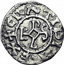 Obolede Bar-sur-Aube. A/. (K9) +GRATIA DI-REX. Monogramme de Karolus. R/. +CAST BARISI croix. - Références: Gariel, n°33 var. - MG, n°973 var. - Argent. 0,65g. (5h). Très Beau. Très Rare variété.