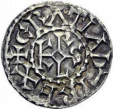 Denier d'Angers, après 864. A/. (9h). +GRATIA D-I REX monogramme de Karolus. R/. +ANDEGAVIS CIVITAS croix. - Références: Gariel, n°9 - Prou, n°429 - MG, n°912 - Argent. 1,54g. (0h). Très Beau.