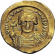 Solidus, Constantinople. Autre exemplaire varié : officine gamma. - Or. 4,46g. (6h). TB à Très Beau.