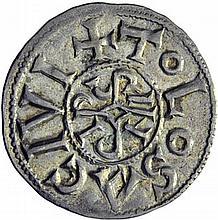 Denier de Toulouse. A/. TOLOSA CIVI monogramme de Pipinus. R/. +PIPINVS REX FR croix. - Références: Gariel, n°5 - Prou, n°809 - MG, n°618 - Argent. 1,55g. (4h). Très Beau à Superbe.