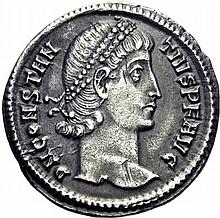 Argenteus ou silique lourde taillé au 1/96ème de livre, Constantinople 340. A/. Buste diadémé à droite. R/. VOTIS XXV MVLTIS XXX en quatre lignes dans une couronne. C.Z à l'exergue. - Référence: RIC, n°60 - Argent. 3,26g. (0h). Superbe exemplaire de