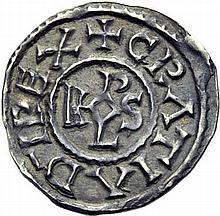 Denier du monastère de Saint-Denis après 864. A/. (0h). +GRATIA D-I REX monogramme de Harolus. R/. +SCIDIONVS IIM croix. - Références: Gariel, n°219 - Prou, n°344 - MG, n°843 - Argent. 1,46g. (9h). Superbe.