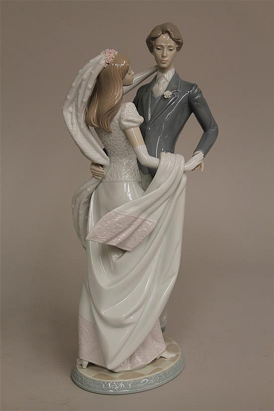 Lladro - I Love You Truly #6622. Original box.