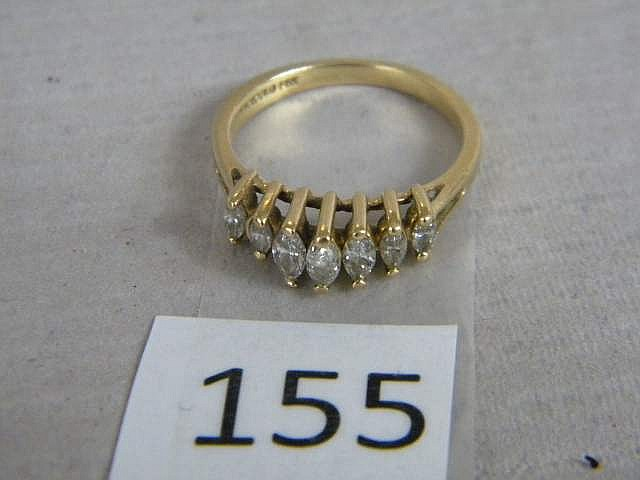 Stunning Ladies' 14K Gold Ring with 7 Diamonds!! Size 7