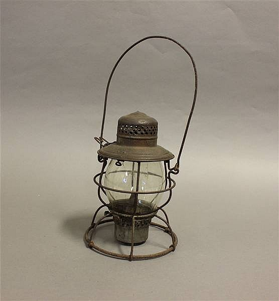 RAILROAD LANTERN HVRY HANDLAN CLEAR COAT GLOBE