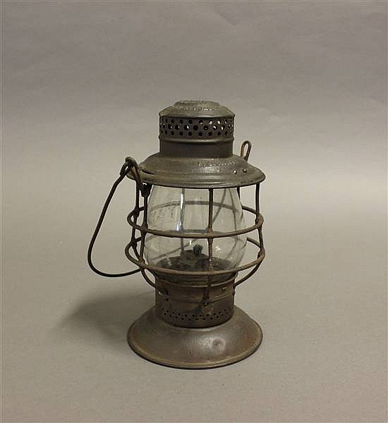 RAILROAD LANTERN K & MRY STEEL TOP BELL BOTTOM CLEAR CAST GLOBE