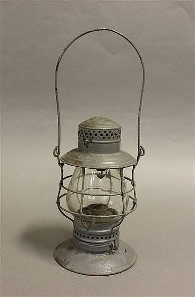 RAILROAD LANTERN CS & HRY STEEL TOP BELL BOTTOM CLEAR CAST GLOBE B & O RAILROAD