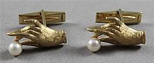 PAIR STAMPED 14K YELLOW GOLD HAND WITH PEARL CUFF LINKS, 3/4