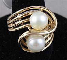 STAMPED 14K YELLOW GOLD FREEFORM TWO PEARL FASHION RING, SIZE 7, 7.8 GRAMS TOTAL