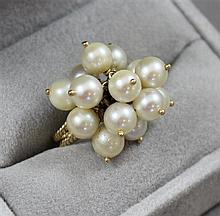 STAMPED 750, 18K YELLOW GOLD PEARL CLUSTER FASHION RING, SIZE 6 1/4, 7.1 GRAMS TOTAL