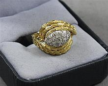 STAMPED 18K YELLOW GOLD FASHION RING WITH DIAMOND ACCENTS, SIZE 8 1/4, 7.7 GRAMS TOTAL