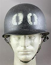 U.S. KOREAN WAR AND VIETNAM 101ST AIRBORN TRAINING HELMET, WITH CHINSTRAP AND LINER