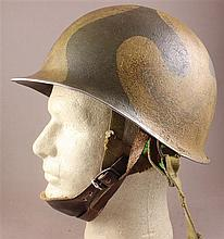 WWII 82ND AIRBORNE PARA HELMET WITH CHIN STRAP AND LINER