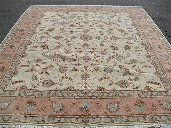FINE PERSIAN TABRIZ SILK AND WOOL, 8.3 X 9.9 ~