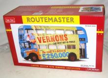Sun Star 'Routemaster' Detailed 1:24 Scale Model of Vernon's Pools. 2905: RM 686 - WLT 686