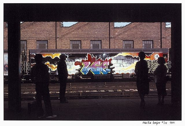 Martha COOPER (née en 1943) LEE AT 180TH STREET, THE BRONX, 2001 Impression photographique en couleur sur papier