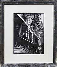 SIR WINSTON CHURCHILL SUR LE PERRON DE L'HÔTEL DE PARIS EN 1948