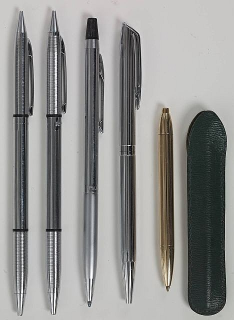 DIVERS 5 stylos, 1 bille A.W Faber, 2 bille Garland, 1 bille Waterman, 1 bille doré Waterman + un bille cartier