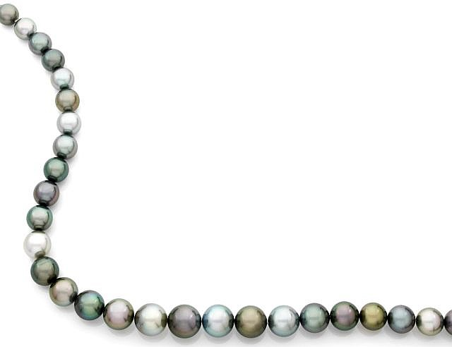 A CULTURED GREY PEARL NECKLACE