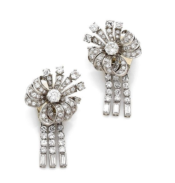 A PAIR OF DIAMOND, PLATINUM AND WHITE GOLD EAR CLIPS
