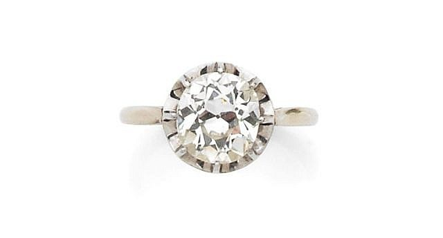 A 2.10 CT DIAMOND, WHITE GOLD AND PLATINUM RING