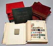 France et Anc. Colonies françaises. Plusieurs albums et classeurs contenant principalement des timbres-poste du 20e siècle. Nombreux...