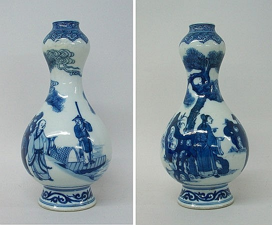 A Chinese blue and white gourd shaped vase