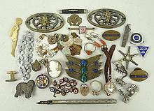 A quantity of jewellery including a lady's 9ct