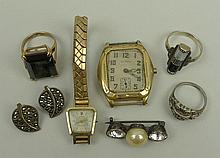 A Sabro lady's 14ct gold cased wristwatch on a
