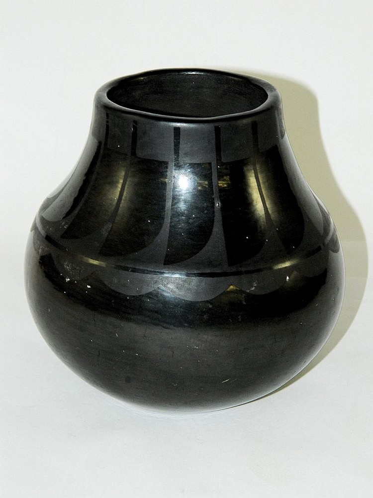 San Ildefonso NM pueblo black on black jar