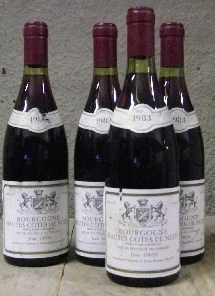 4 Bouteilles  BOURGOGNE HAUTES COTES DE NUITS - JEAN GROS Etiquettes légèrement tachées, légèrement abîmées.  Labels lightly stained, slightly damaged.   1983