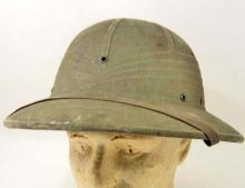 WWII USMC MARINES GREEN PITH HELMET
