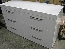 A six drawer White Chest of Drawers