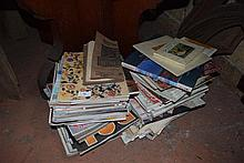 A quantity of assorted Home Decorator magazines
