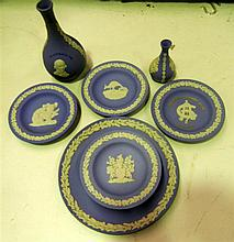 A collection of commemorative 'Australiana' Wedgewood pieces (8)
