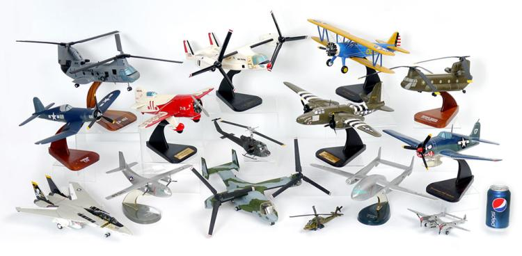 14 PIECE COLLECTION OF MODEL AIRPLANES