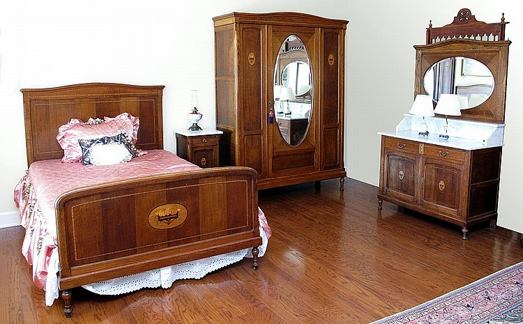 39: 4 PC MARBLE TOP OAK BEDROOM SET