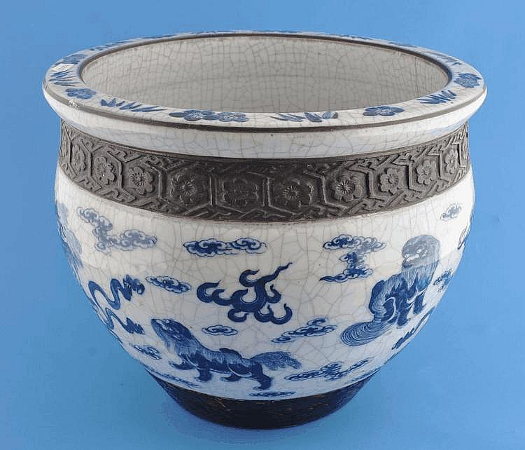 Chinese blue and white porcelain jardiniere with