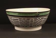 ENGLISH MOCHAWARE SMALL PUNCHBOWL,
