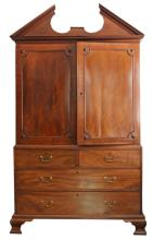 GEORGE III MAHOGANY LINEN PRESS