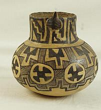 Native American Anasazi pottery vessel
