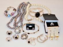 Costume jewelry -freshwater pearls