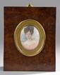 Ecole Française XIXème. «portrait présumé de Veraldine de Lattre de Batsaert en buste». Miniature ovale. 6.5 x 5 cm à vue